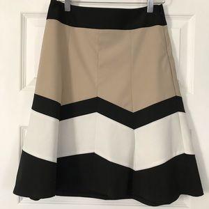 High-waisted A-line skirt